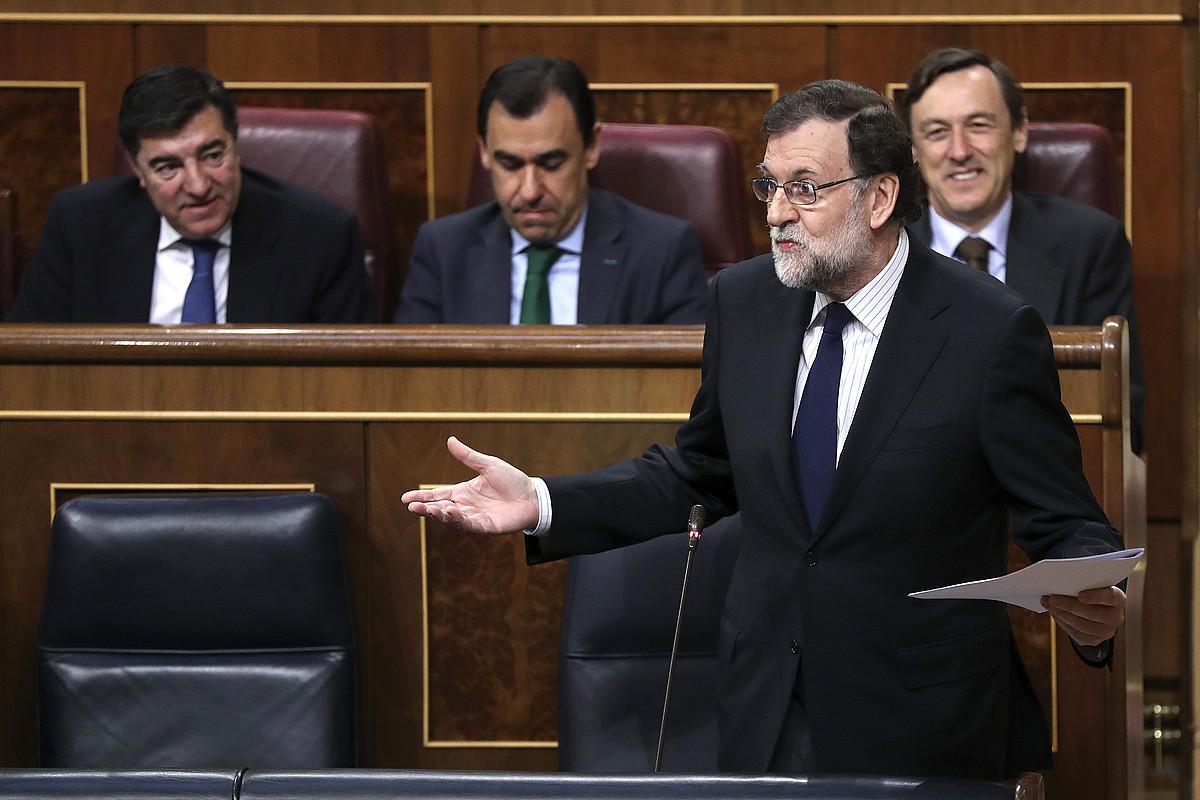 Mariano Rajoy Espainiako gobernuburua, atzo, Kogresuko kontrol saioko galderei erantzuten. / CHEMA MOYA / EFE