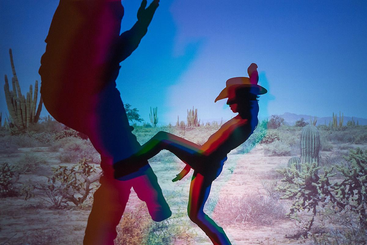 Proiektatutako gorputz birtualak egiazko bihurtzen dira Gilles Jobin koreografoaren <em>Força forte</em> ikuskizunean. ©G. BATARDON