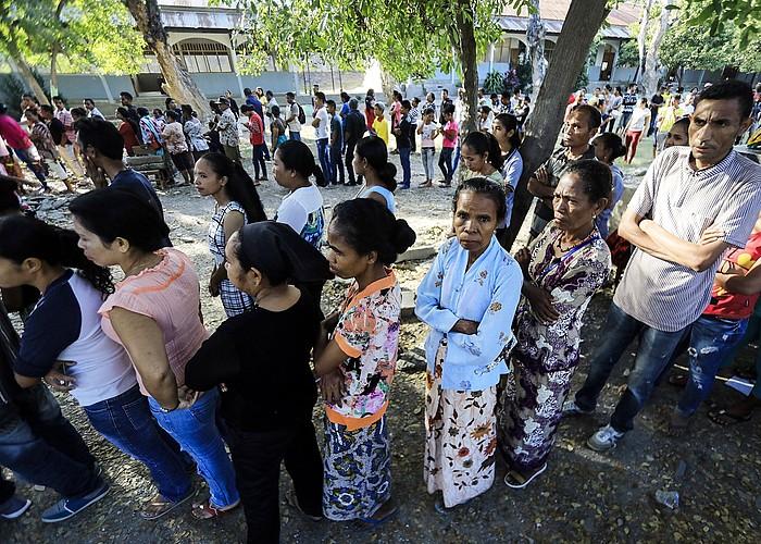 Dezenteko iladak sortu ziren, herenegun, Ekialdeko Timorko hauteslekuetan. Irudian, Dili hiriburuan. ©ANTONIO DASIPARU / EFE
