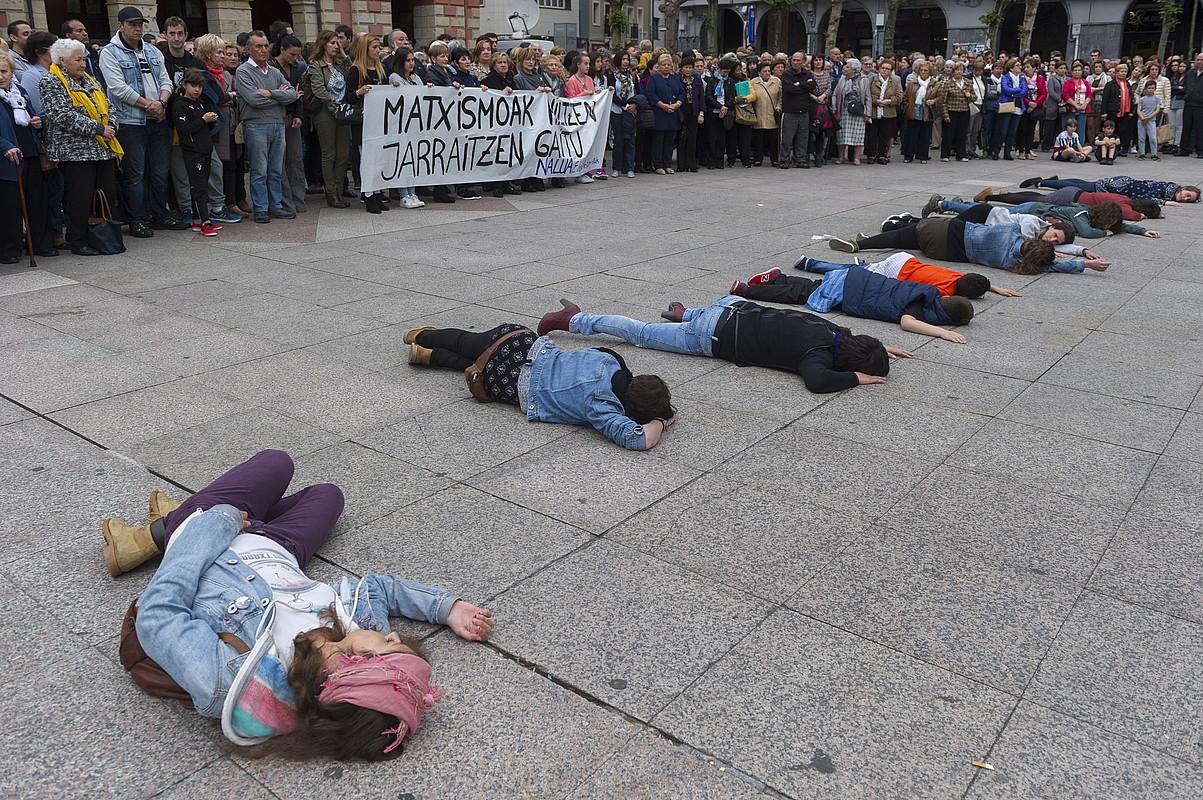 Indarkeria matxistaren aurka egindako protesta bat, maiatzean, Eibarren, bertako emakume bat Madrilen hil ostean. ©JUANAN RUIZ/ARGAZKI PRESS