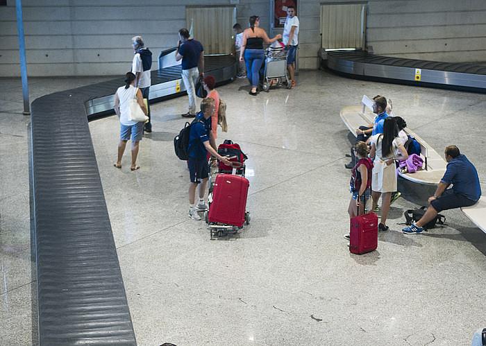 Loiuko aireportuan bidaiariak, artxiboko irudi batean. ©MARISOL RAMIREZ / ARP