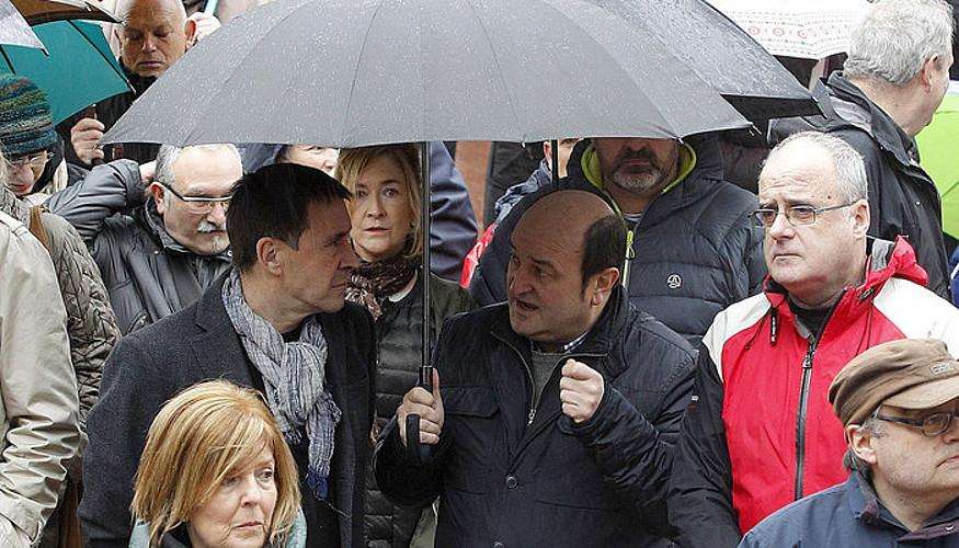 Arnaldo Otegi, Andoni Ortuzar eta Joseba Egibar, otsailean, Gure Esku Dago-k deitutako bilkura batean.