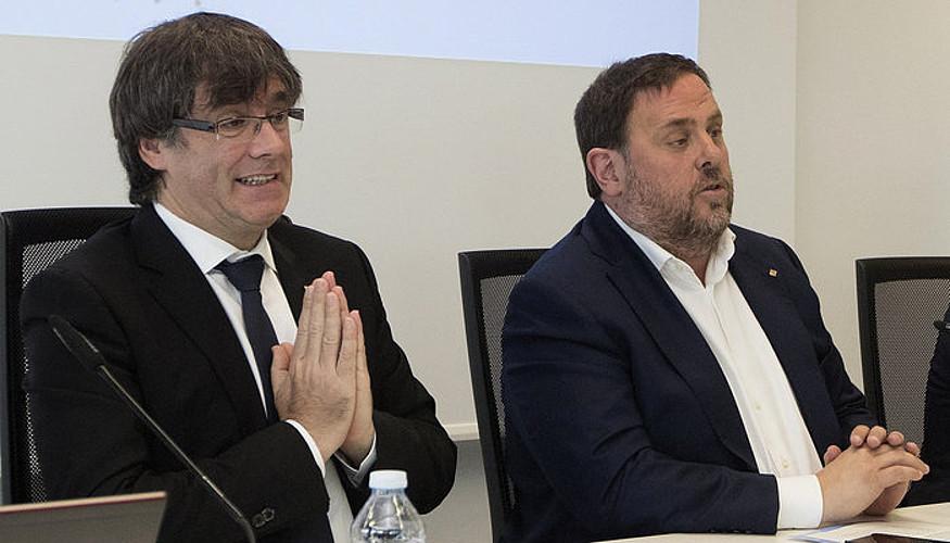 Carles Puigdemont eta Oriol Junqueras, atzo, Bartzelonan.