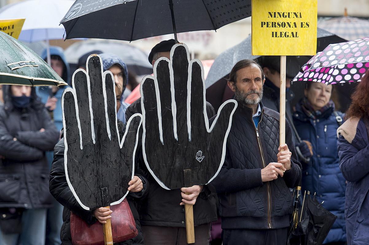 Arrazakeriaren aurkako mobilizazio bat; erasoak salatzera deitu dute. ©IÑIGO URIZ / ARGAZKI PRESS