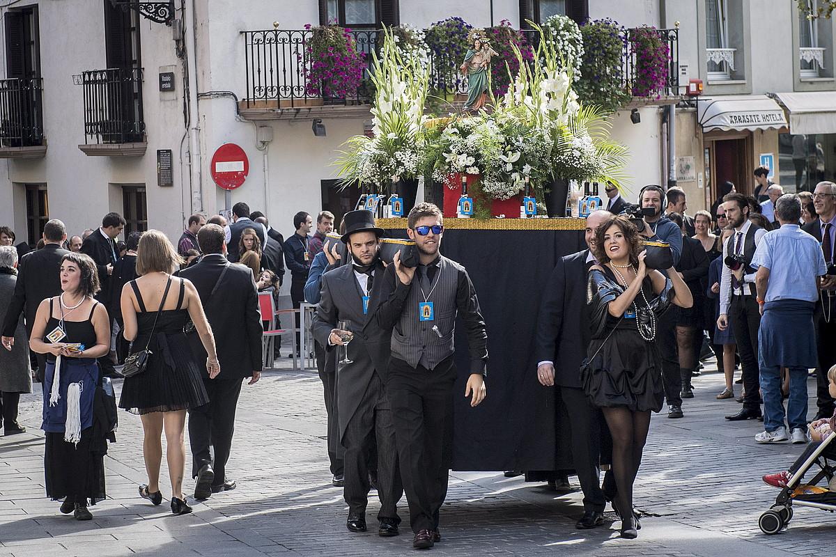 Umorez ospatzen dute Maritxu Kajoi eguna Arrasaten. ©GORKA RUBIO / ARGAZKI PRESS