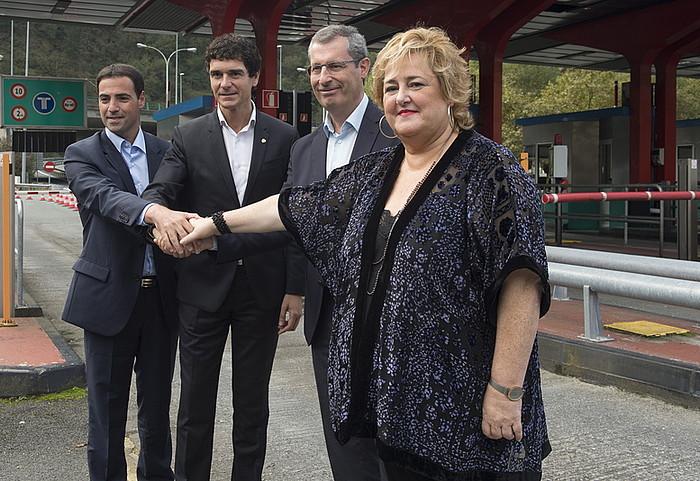 Pradales, Rementeria, Olano eta Oiarbide, atzoko agerraldian. ©M. DEL VALLE / ARP