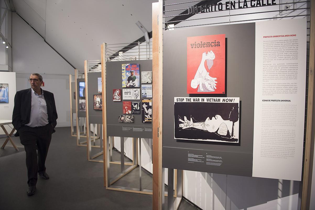 Picassoren margolan ospetsuaren ibilbidea ezagutzeko 200 metro koadroko areto ibiltaria muntatu dute. ©MONIKA DEL VALLE / ARGAZKI PRESS