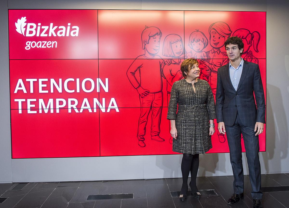 Sanchez Robles eta Rementeria, atzoko agerraldian. ©MARISOL RAMIREZ / ARGAZKI PRESS