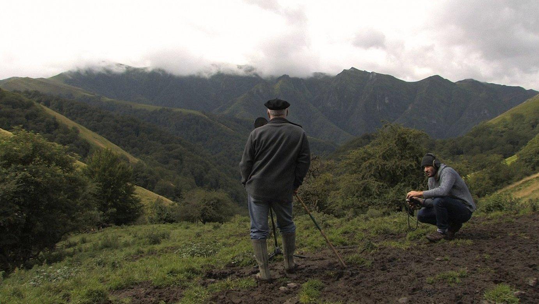 Arño Belhi Bidalun kantaria Ahuzkin; filmeko irudi bat. ©ELSA OLIARJ-INES
