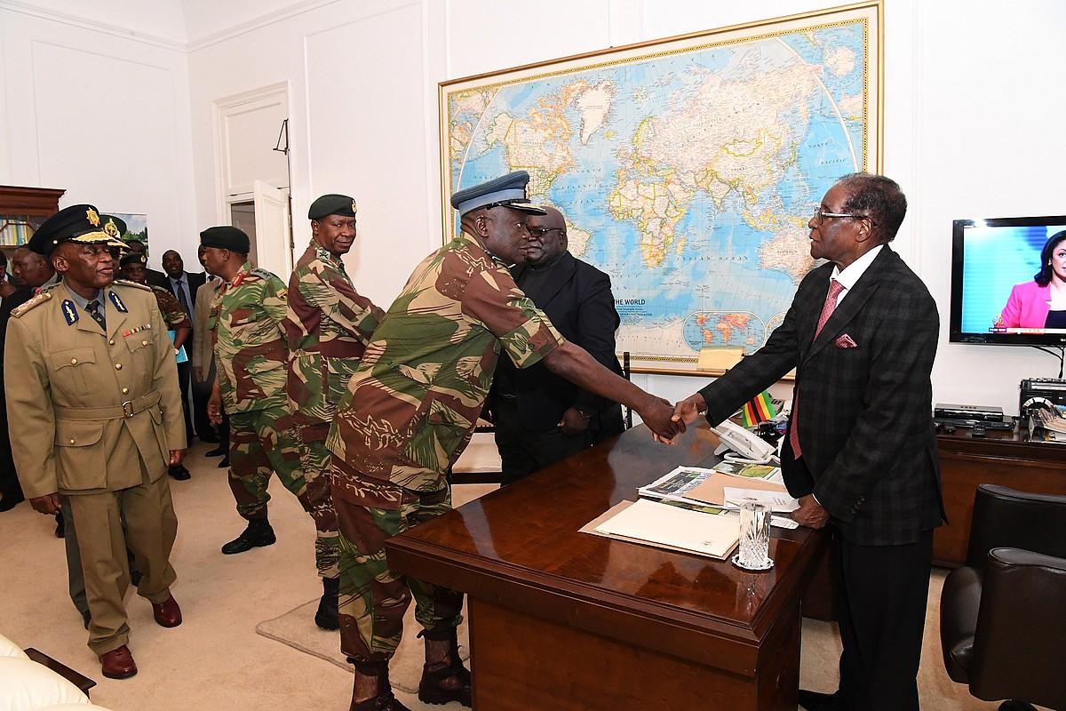 Mugabe presidentearen aurkako zentsura mozioa jarriko du haren alderdiak