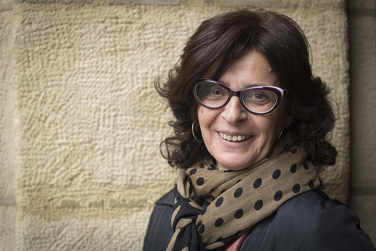 Arantxa Iturbe idazlea, atzo, Donostian, <em>Honetara ezkero</em> ipuin liburua aurkeztu aurretik.
