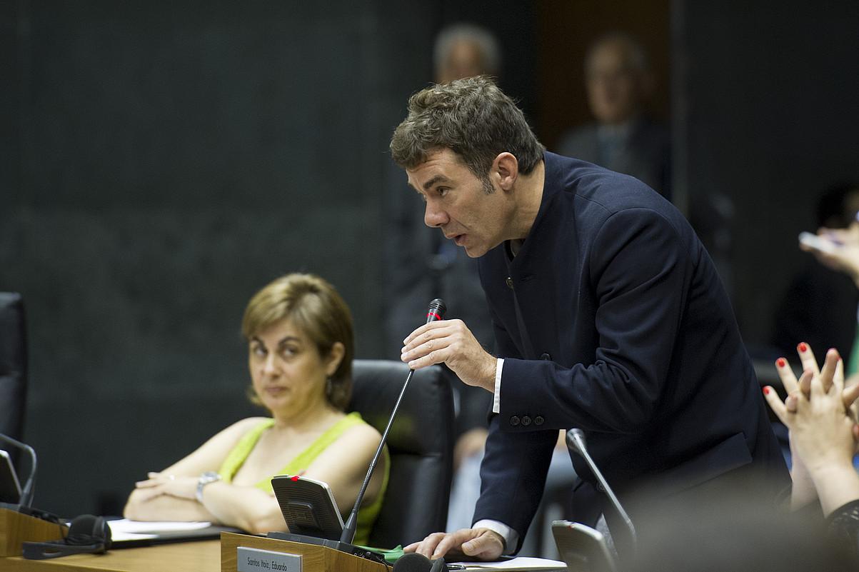 Eduardo Santos, Nafarroako Parlamentuan; artxiboko irudia. ©IÑIGO URIZ / ARP