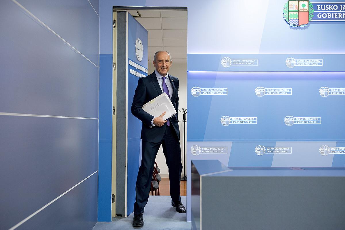 Josu Erkoreka Eusko Jaurlaritzako bozeramailea, lehendakaritzan egindako agerraldi batean. ©RAUL BOGAJO / ARGAZKI PRESS