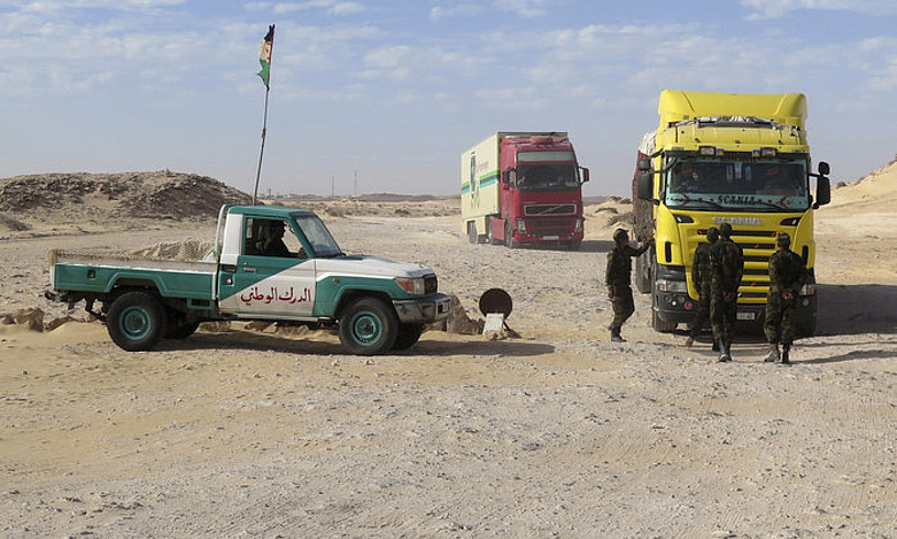 Fronte Polisarioko militarrak, iragan martxoan, Guergueraten. Mendebaldeko Sahara eta Mauritania arteko mugan dago eremu hori. ©JAVIER OTAZU / EFE