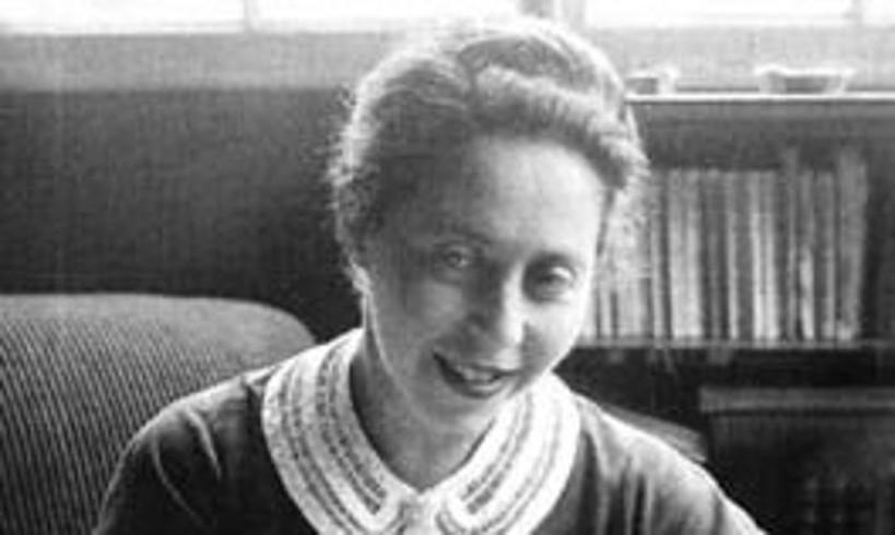 Irene Nemirovsky idazlea. Gazterik hasi zen idazten, eta hainbat lan ondu zituen bere bizitza laburrean. ©BERRIA