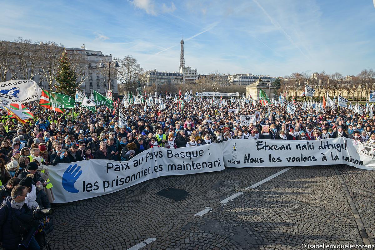 Parisen joan den abenduaren 9an euskal presoen eskubideen alde egindako manifestazioa. / ISABELLE MIQUELESTORENA