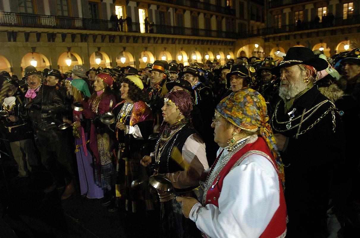 Donostiako Kaldereroen Konpartsa Tradizionala Lasala plazatik abiatuko da aurten. ©LIDE FERREIRA / IRUTXULOKO HITZA
