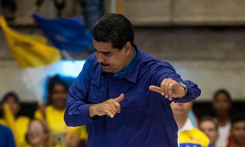 Nicolas Maduro Venezuelako presidentea, ekitaldi politiko batean, herenegun gauean, Caracasen.