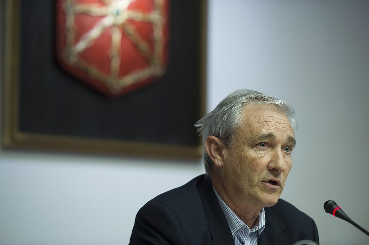 Mikel Aranburu, Ogasun kontseilaria Nafarroako Parlamentuan, artxiboko irudian.