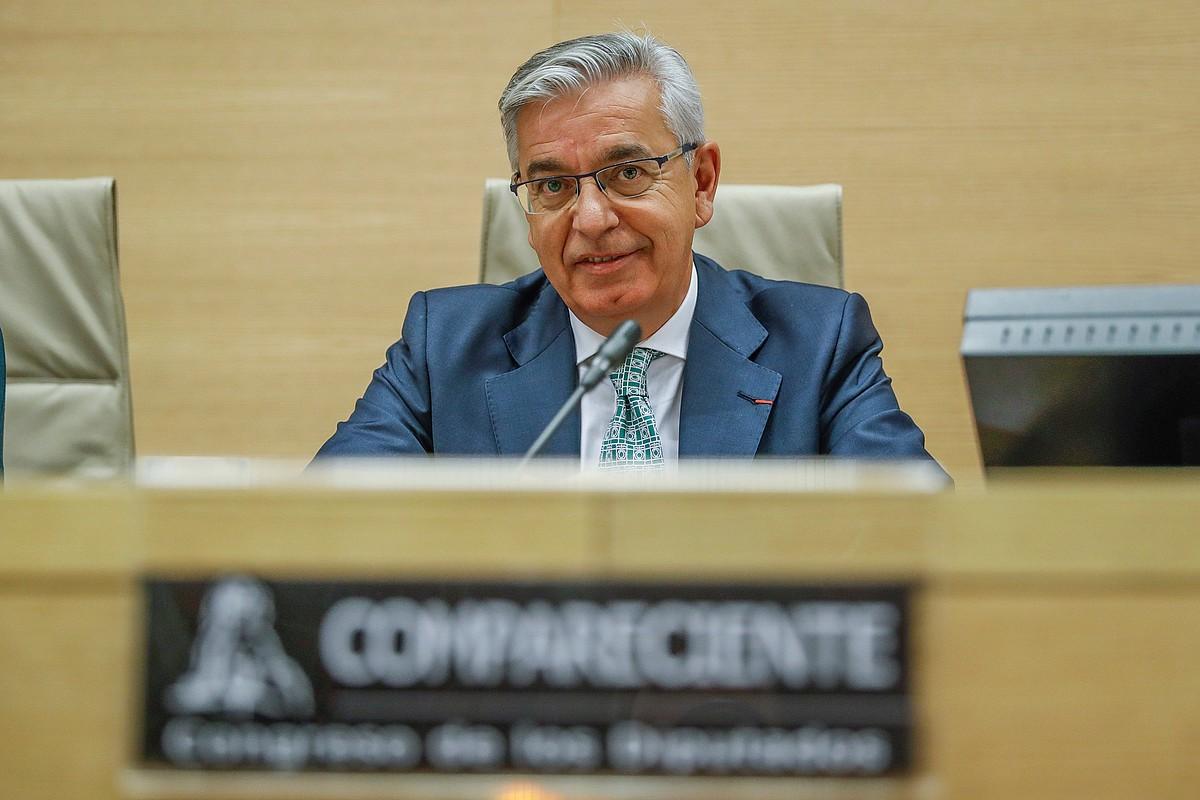 Miguel Sanchez Corbi, iazko azaroan, Espainiako Kongresuko batzorde batean.