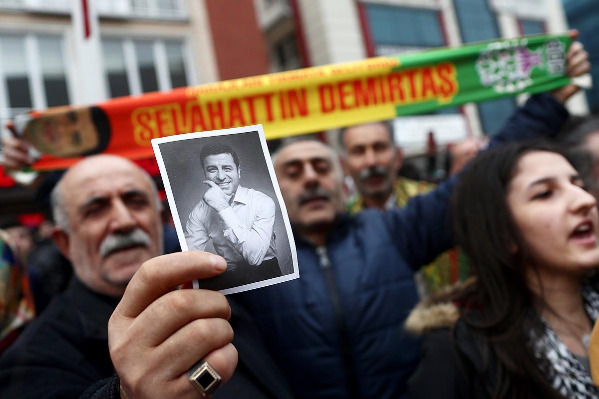 Selahattin Demirtasen aldeko elkarretaratzea, iragan urtarrilaren 12an, Istanbulen. ©SEDAT SUNA / EFE