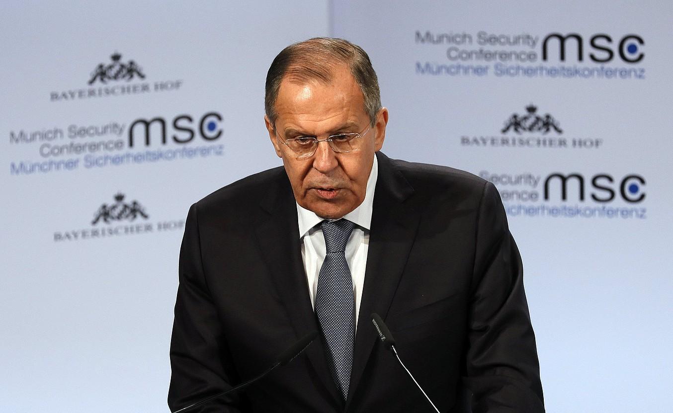 Sergei Lavrov Errusiako Atzerri ministroa, atzo, Munichen, segurtasun konferentzian hitz egiten. ©RONALD WITTEK / EFE