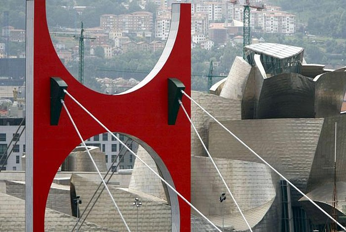Bilboko Guggenheim museoa, artxiboko irudi batean.