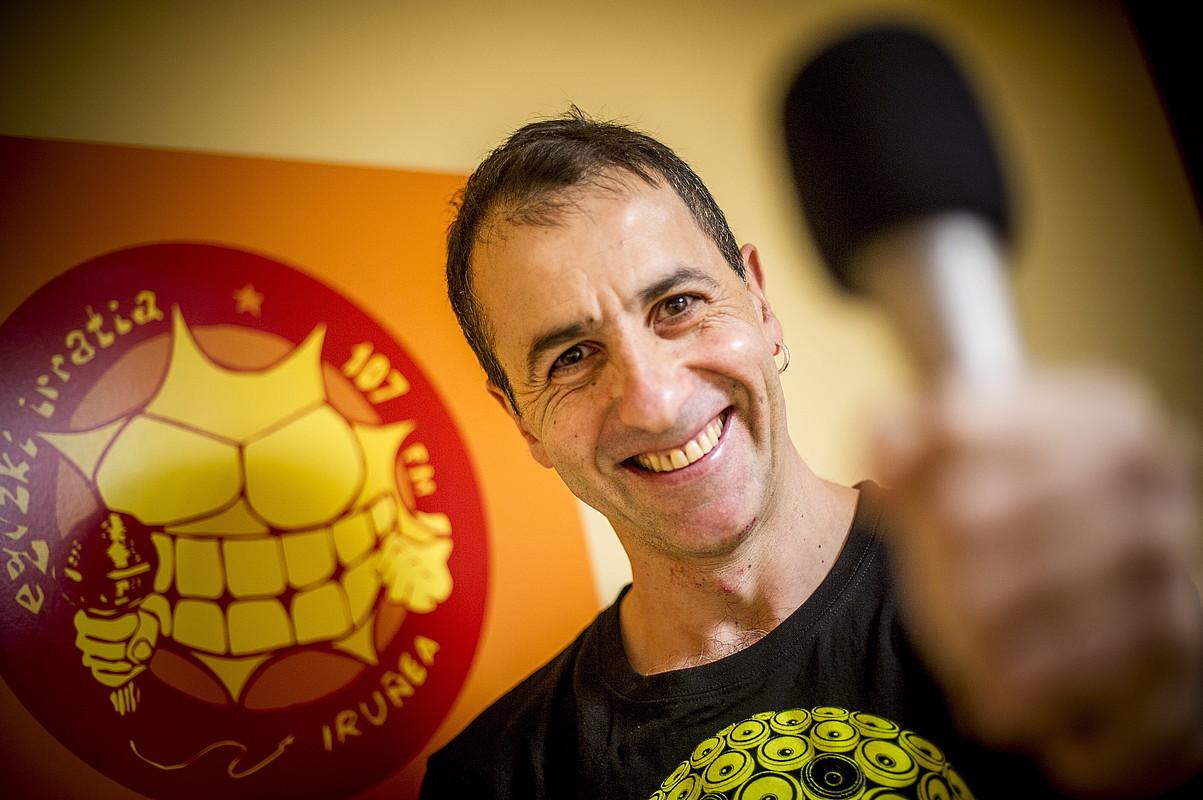 Jorge Ribera, Eguzki Irratiko programazioaren arduraduna. ©JAIZKI FONTANEDA / ARGAZKI PRESS