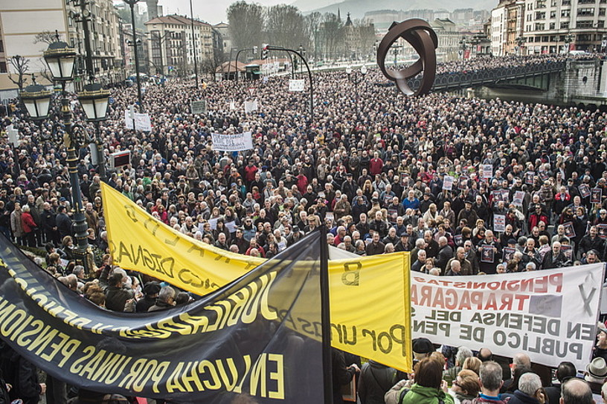 Bizkaiko pentsiodunen plataformako eledunak pozik azaldu ziren pentsiodunen erantzunarekin, eta «historikotzat» jo zuten manifestazioa.
