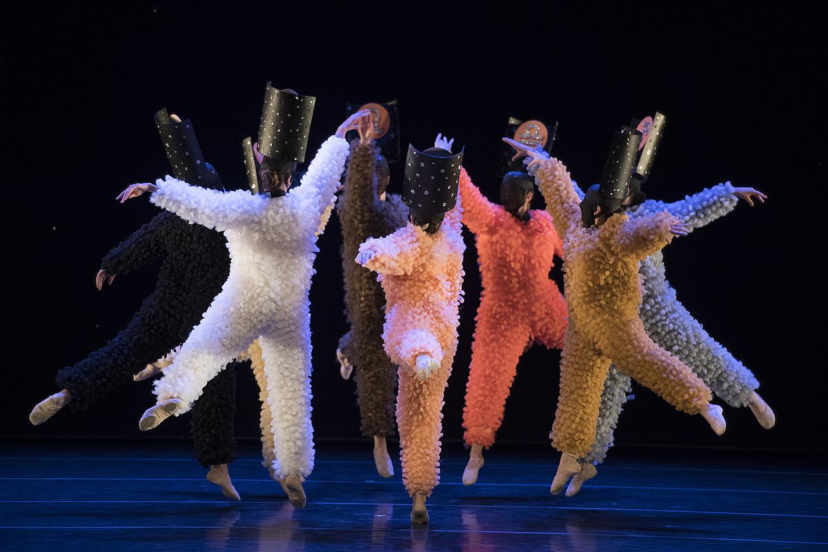 Bi piezaz osatutako <em>Haize hegoa</em> lanarekin, euskal koreografia berrian ekarpena egin nahi du Kresalak.