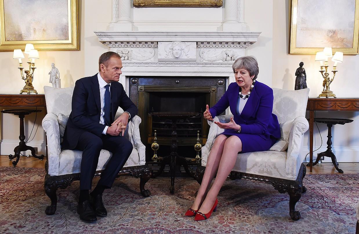 Tusk eta May bilduta, atzo, Londresen.