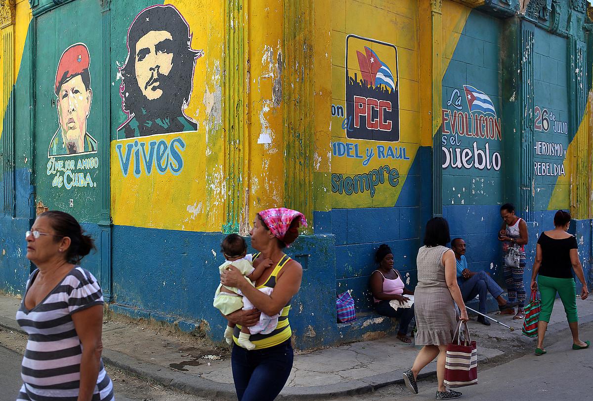 Habanako kale baten irudia. Gaur Biltzar Nazionalerako hauteskundeak egingo dituzte Kuban. ©ALEJANDRO ERNESTO / EFE