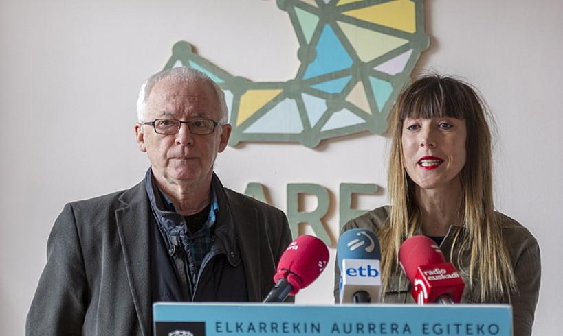 Sareko Azkarraga eta Atxa, Gasteizen atzo eginiko agerraldian.