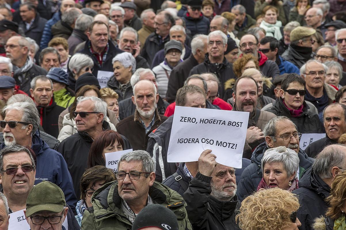 Pentsionisten protesta bat, Gasteizen.