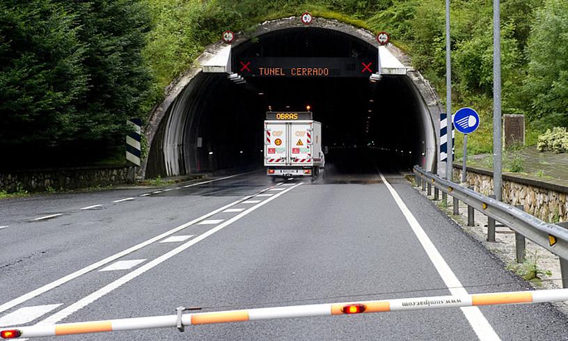 Belateko tunelak obren ondorioz ixteak eztabaidaeragin du herritarren etagarraiolarien artean. ©IÑIGO URIZ / FOKU