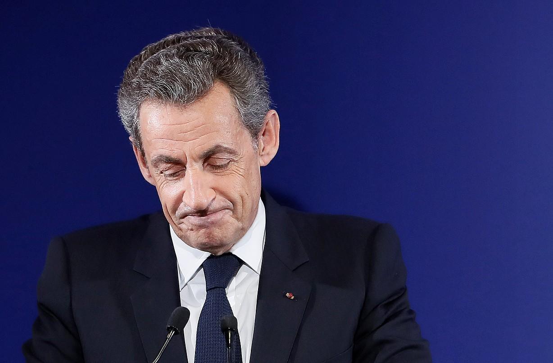 Politika uzteko asmoa duela adierazi du Nicolas Sarkozyk, baina aurrez bere izena garbitu nahi du. ©IAN LANGSDON / EFE
