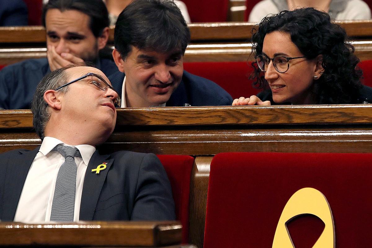 Marta Rovira —eskuinean—, herenegun, Parlamentuan. ©ALBERTO ESTEVEZ / EFE