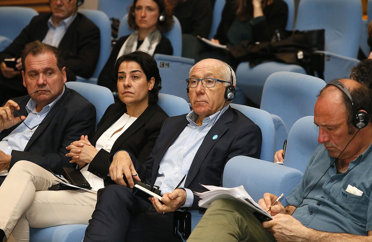 Max Brisson eta Frederique Espagnac parlamentariak eta Jean Rene Etxegarai Euskal Elkargoko presidentea eta Jean Noel Etxeberri <em>bakegilea</em>. / BOB EDME