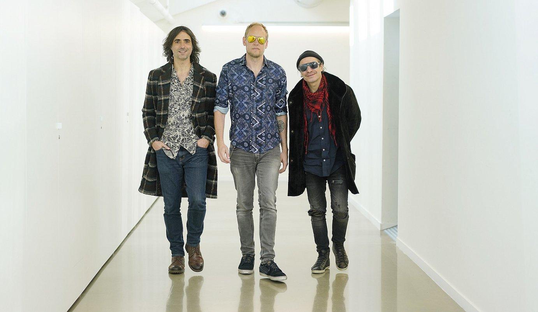 Mikel Azpiroz (hammonda, teklatuak), Dave Wilkinson (gitarra, ahotsa) eta Franck Mantegari (bateria): Elkano Browning Cream. ©LOBO ALTUNA