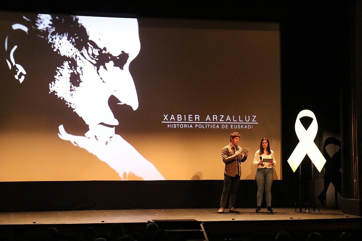 Xabier Arzalluzen inguruko dokumentala estreinatu zuten joan den martxoaren 24an, Donostiako Antzoki Zaharrean. ©BERRIA