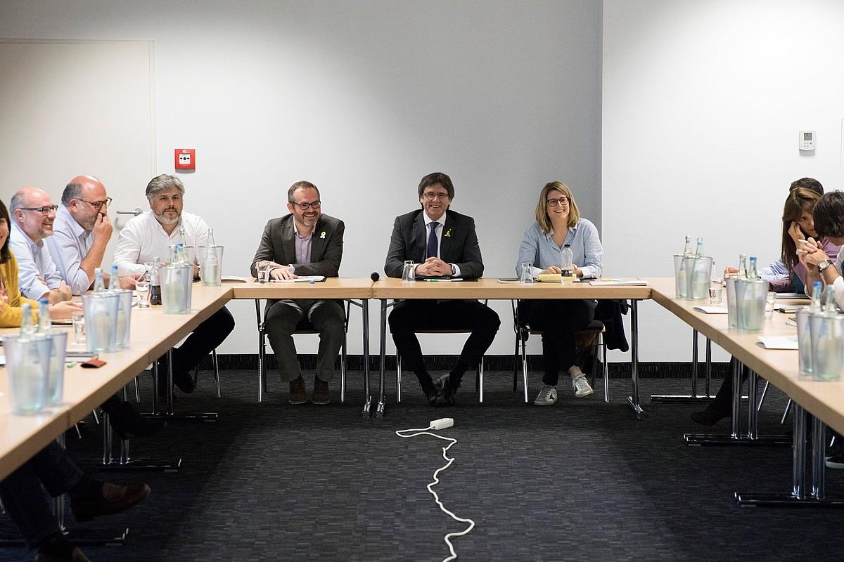 Josep Costa, Carles Puigdemont eta Elsa Artadi, joan den larunbatean, Berlinen. ©FELIPE TRUEBA / EFE