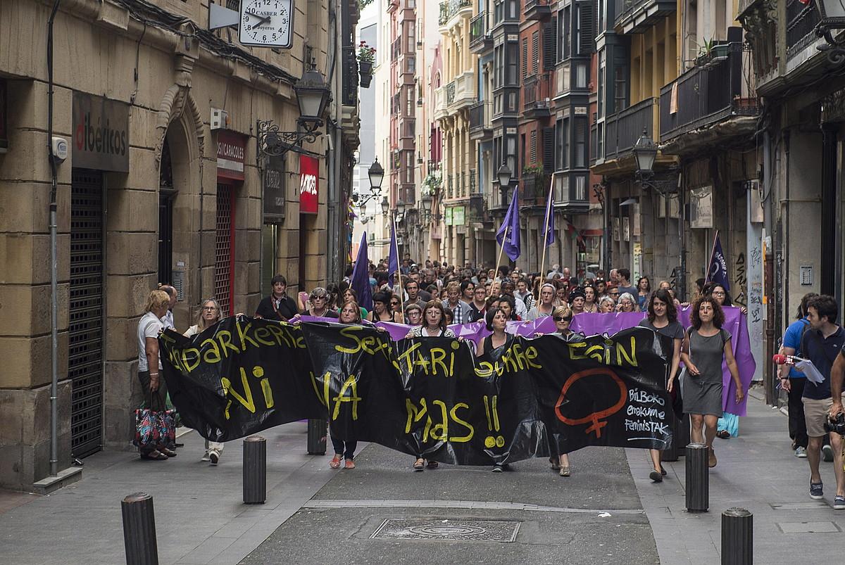 Arantzazu Palaciosen hilketa salatzeko manifestazioa, Bilbon, 2016ko abuztuaren 1ean. ©MONIKA DEL VALLE / FOKU