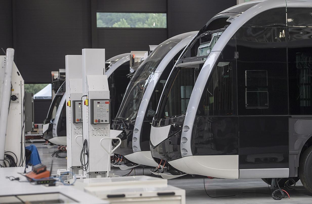 Irizarren ie tram modelokoautobusak, Adunako lantegian ©JON URBE / FOKU