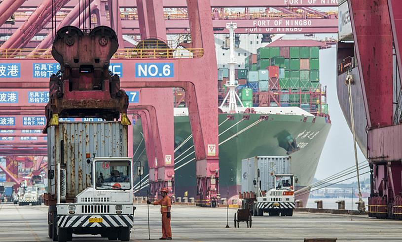 Zamaketa lanak Ningboko portuan, Txina erdialdean. Costcok kudeatzendu. ©ZIGOR ALDAMA