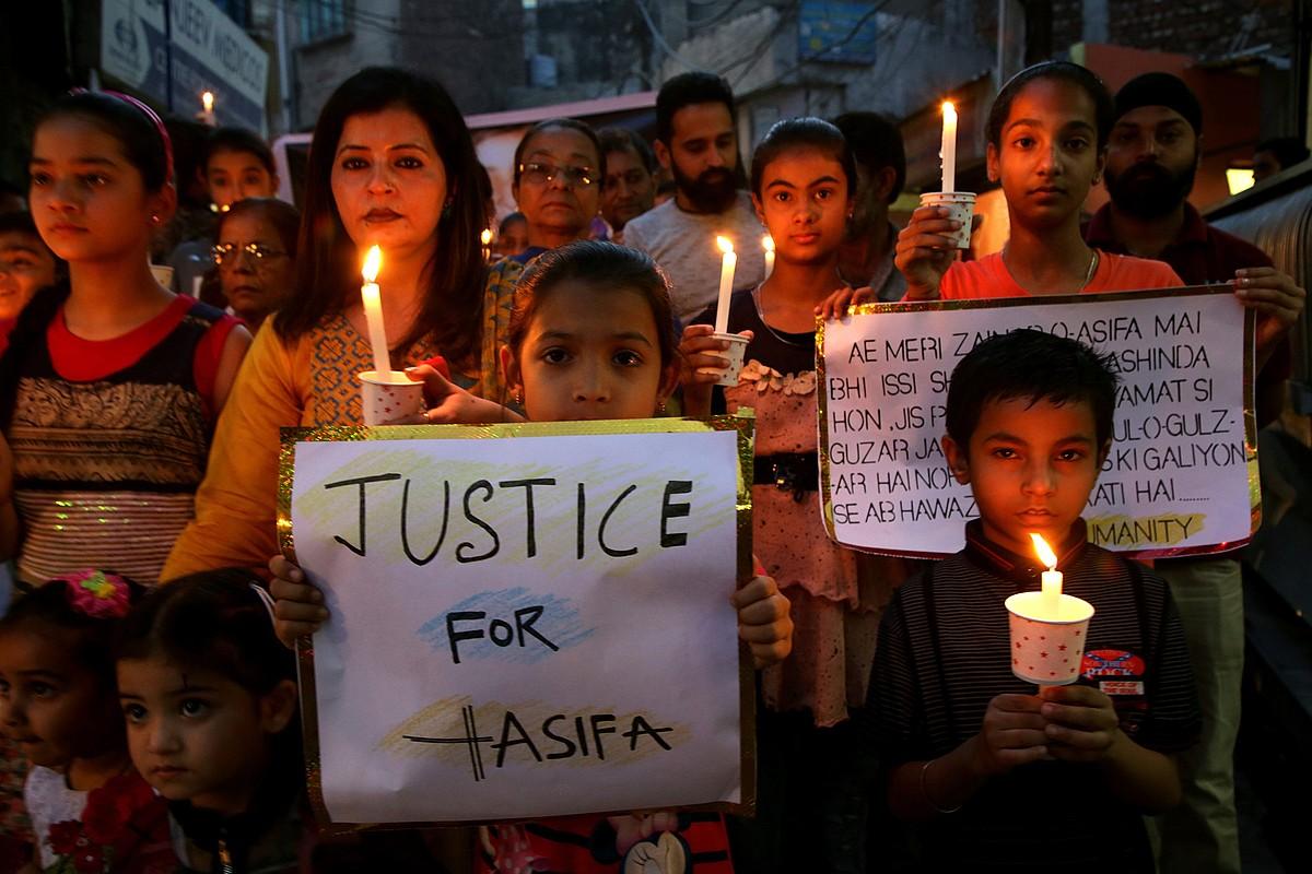 Asifa Bano 8 urteko neskatoarentzat justizia aldarrikatu zuten apirilaren 14an, Jammun.
