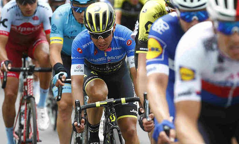 Esteban Chaves, akituta, atzo, Italiako Giroko hamargarren etapan.
