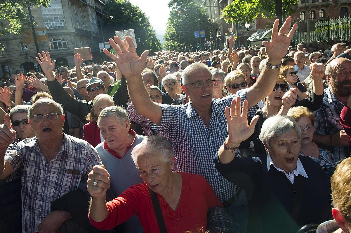 Bilboko manifestazioa izan zen, atzo ere, jendetsuena. ©MONIKA DEL VALLE / FOKU