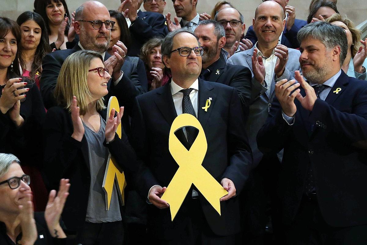 Joaquim Torra, erdian, Kataluniako Generalitateko presidente hautatu zuten egunean. Gaur hartuko dute kargua kontseilariek. ©TONI ALBIR / EFE