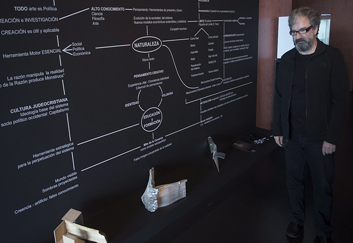 Imanol Marrondanen proiektu berriko <em>Revelar y Rebelar</em> pieza, Oteiza museoan. &copy;JAGOBA MANTEROLA / FOKU