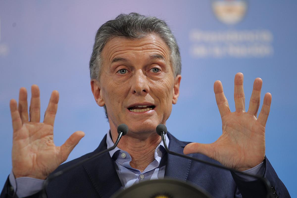 Mauricio Macri Argentinako presidentearen agerraldia, joan den maiatzean, truke krisiaz aritzeko.